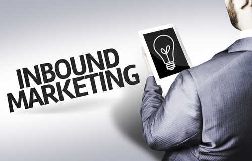 inbound-marketing-dont-be-that-guy-guy with-tablet-with-a-lightbulb