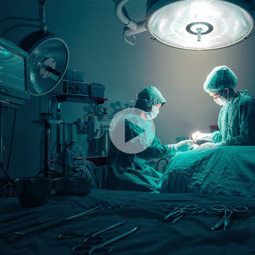 medical-professionals-performing-surgery